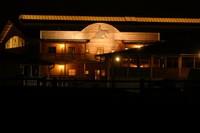 Saloon bei Nacht